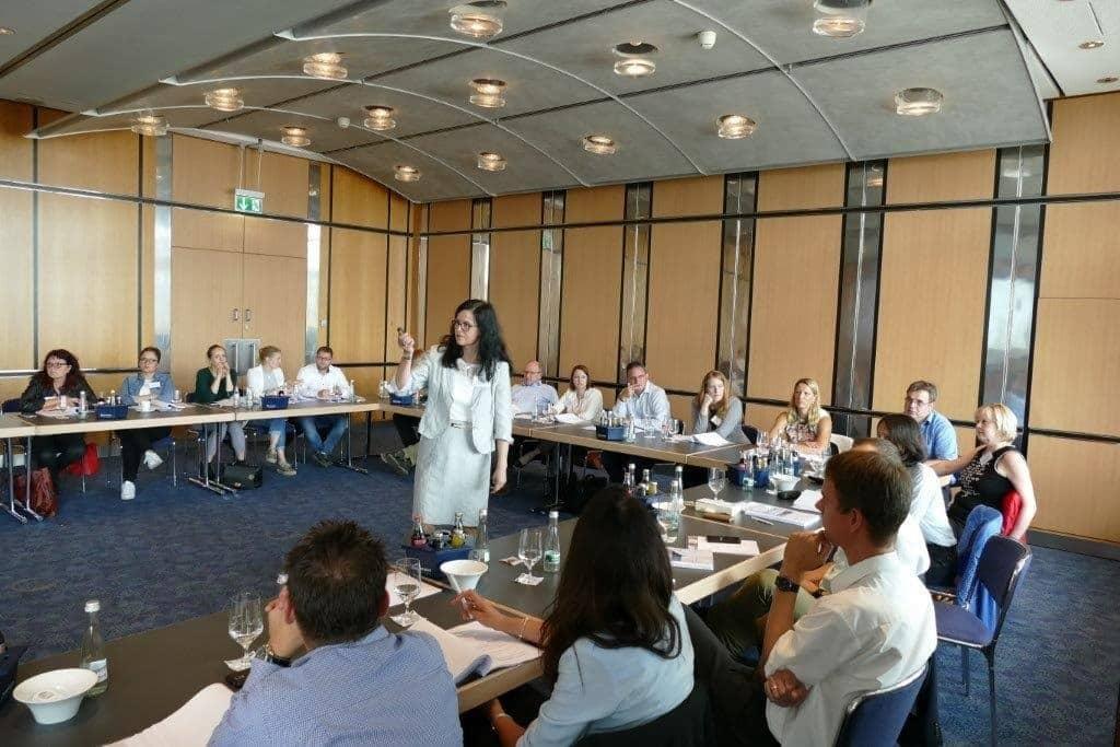"""Sabine Reich (Assessorin jur.) beim Seminar """"Arbeitsrecht am Praxisfall"""""""
