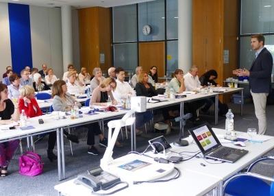 Dr. Christoph Bausewein beim DSGVO Seminar von grosshandel-bw