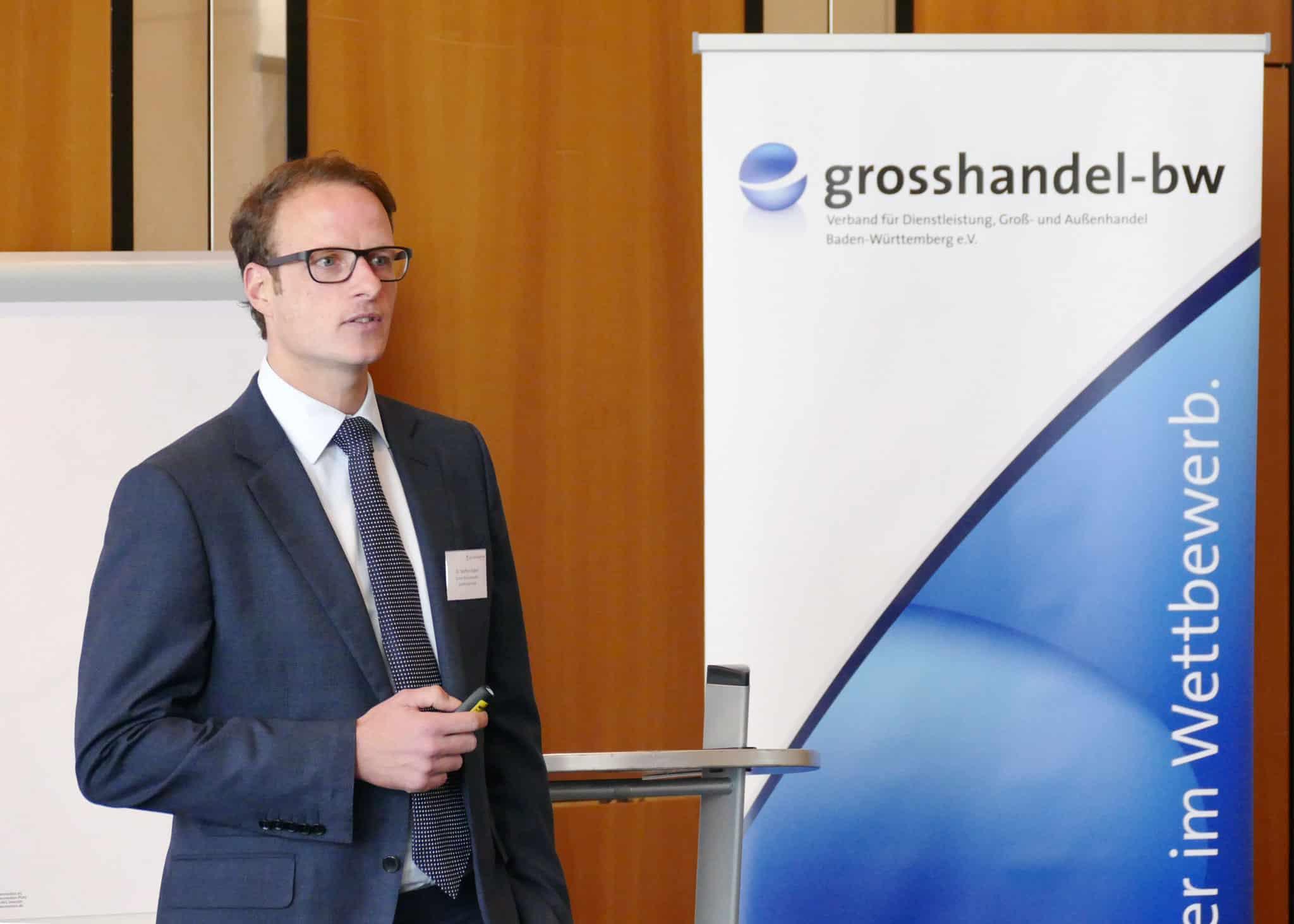 """Dr. Steffen Gaber beim Seminar """"Rechtsicher grosshandeln"""" in Stuttgart"""